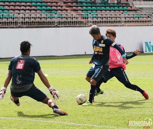 Cầu thủ già nhất thế giới Kazu Miura (giữa) sắp tới sẽ có lần thứ 2 thi đấu tại Việt Nam. Ảnh: Quang Thịnh.