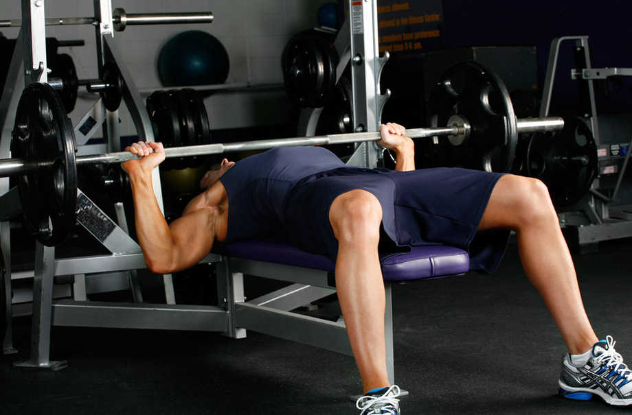 flat-bench-barbell-press-exercise-3-1