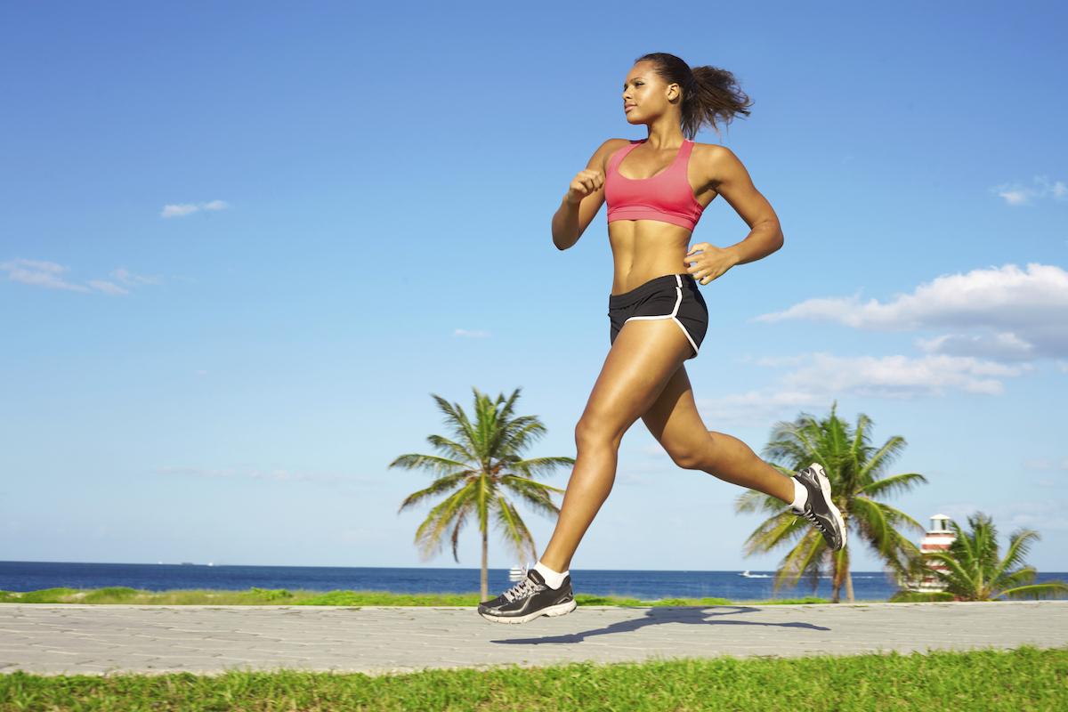 beach-runner-resized-reverse_ghyhe0