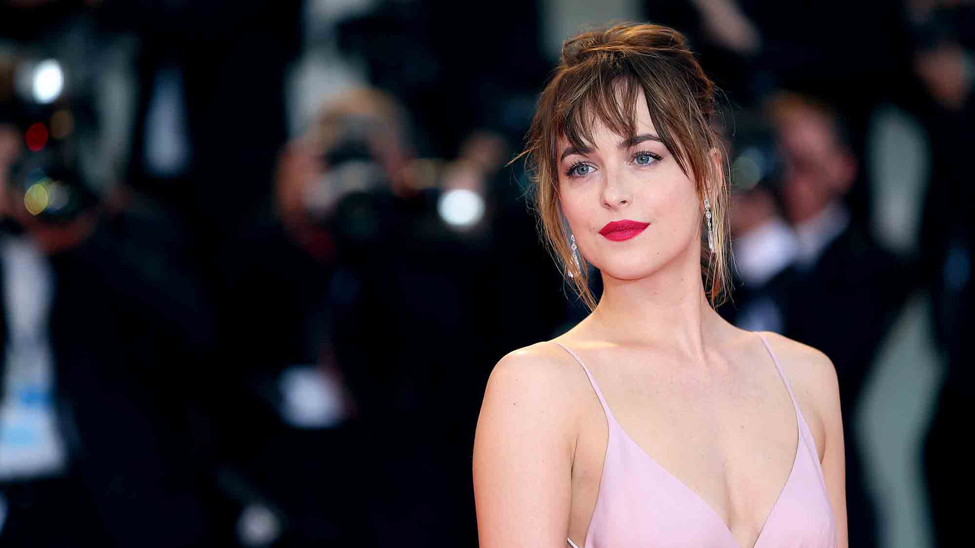 dakota-johnson-hero-image