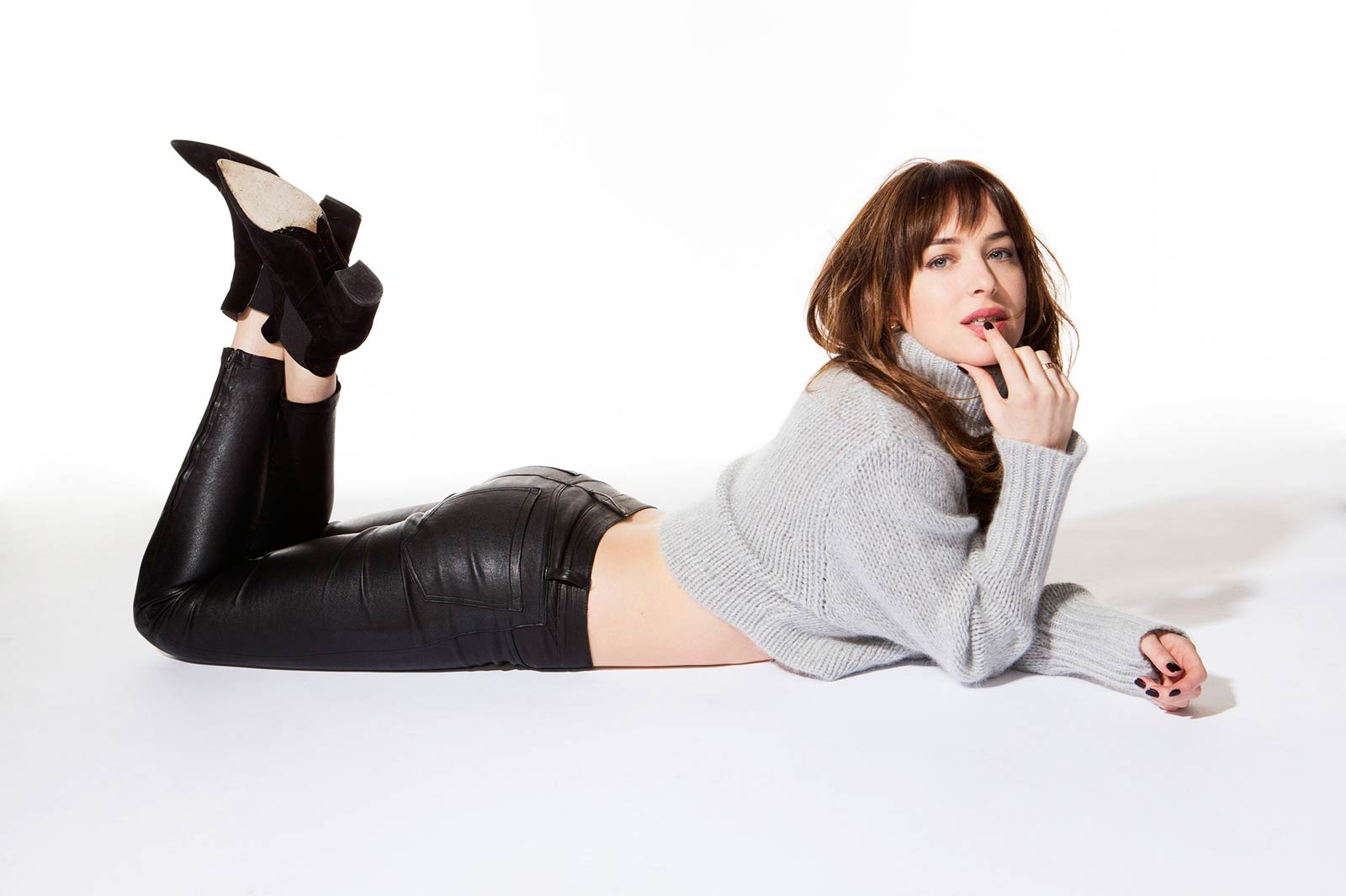 wpid-dakota-johnson-mary-ellen-matthews-photoshoot-3