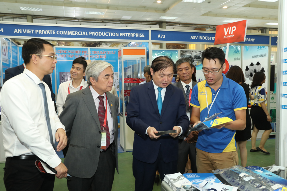 Saigon Autotech -  Accessories 2020 (9)