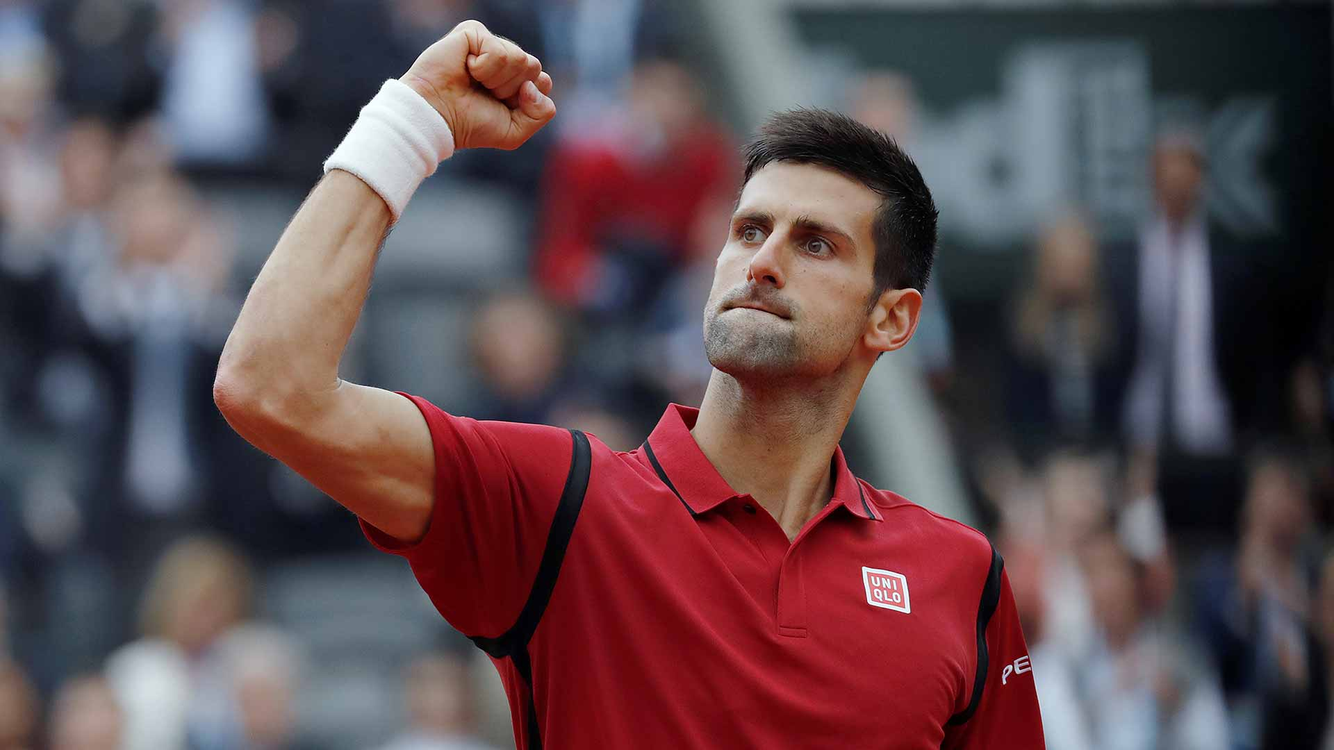 djokovic-fist-roland-garros-2016-sunday2