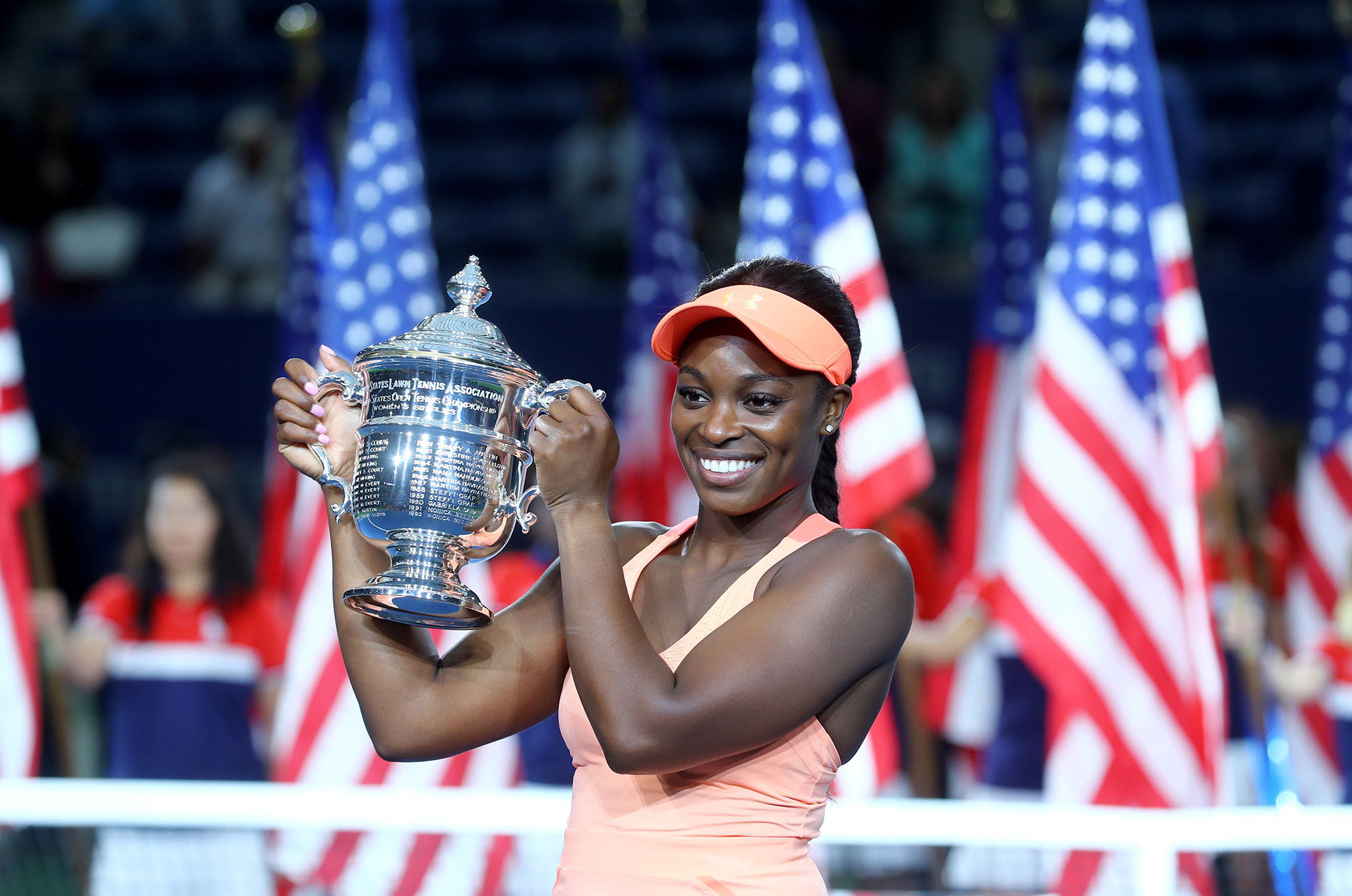sloane-stephens-us-open-trophy-pose
