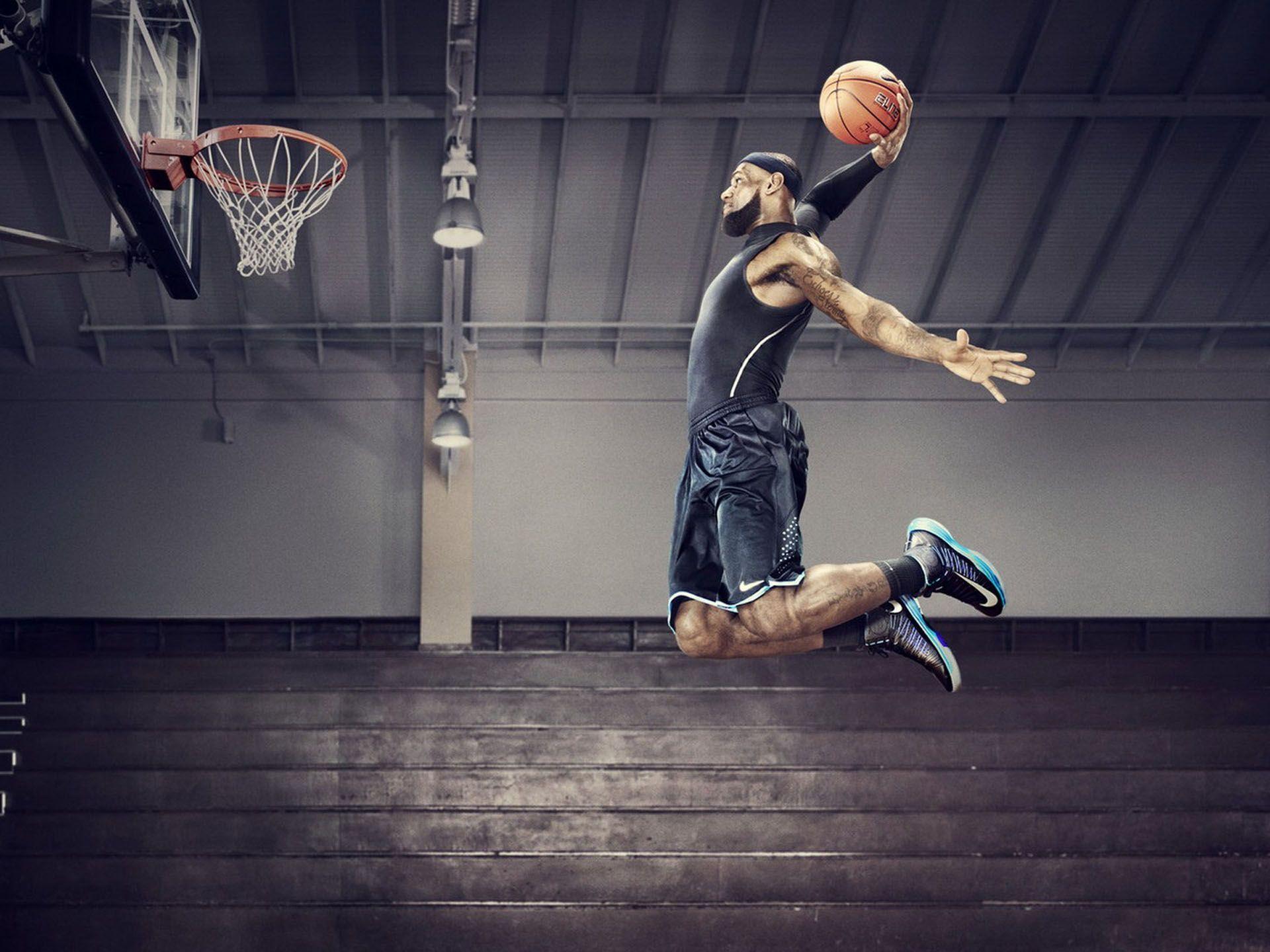 lebron-james-dunking