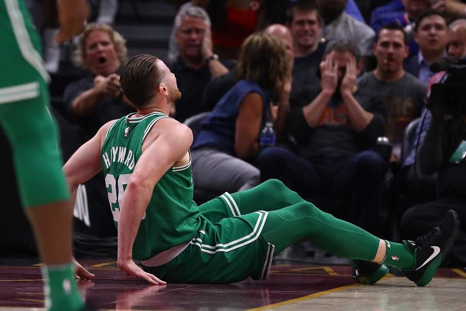 gordon-hayward-stretcher-