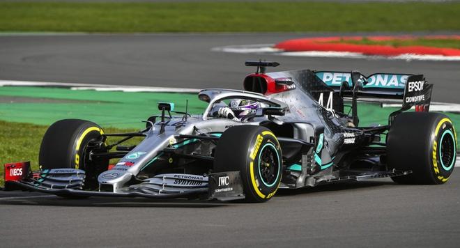 Mercedes-W11-01