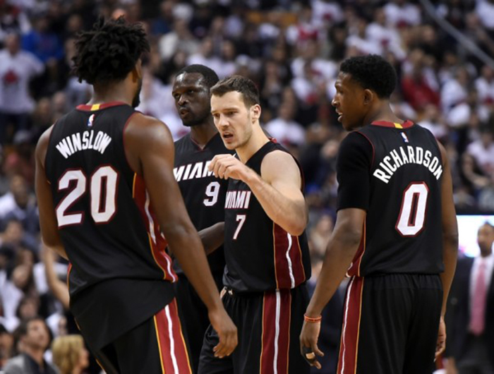 philadelphia-76ers-vs-miami-heat-game-2-playoffs-hinh-anh-2