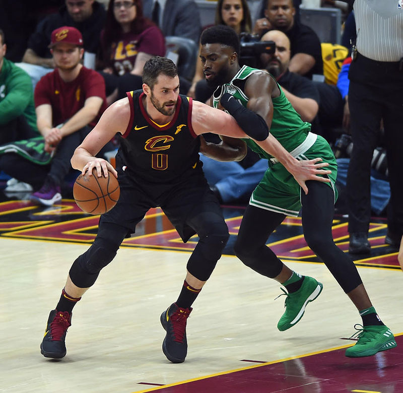 cleveland-vs-boston-anh-1
