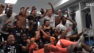 Lyon 'quẩy' tung phòng thay đồ sau khi loại Juventus