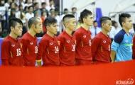 Bầu Tú cho những người hùng futsal Việt Nam đi thay đổi không khí