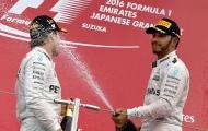 Sai lầm lúc xuất phát, Hamilton gượng cười ngày Mercedes vô địch trước bốn chặng đua