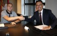 Deulofeu 'tươi rói' trong ngày trở lại Barcelona