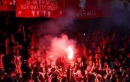 """Cảnh sát vào cuộc vụ CĐV Liverpool """"chào đón"""" Man City"""
