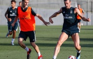 Gareth Bale khoe cơ bắp lực lưỡng trên sân tập