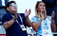 Tình trẻ Rocio Oliva 'ủ mưu' làm trợ thủ cho Maradona