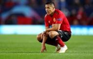 Sanchez đã nhầm, Manchester đáng ra phải màu xanh