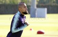 Arturo Vidal 'buồn thiu' khi ăn cú lừa từ BLĐ Barca