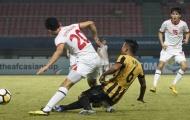 Pha vào bóng bằng hai chân của cầu thủ U19 Malaysia và cái kết kinh hoàng