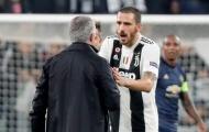 Sốc: Mourinho hành động không thể tin nổi sau màn ngược dòng trước Juve