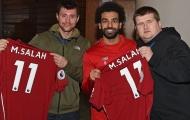 Mohamed Salah tặng quà Giáng sinh đặc biệt cho người hâm mộ khiếm thị