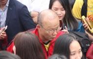 Tuyển Việt Nam tập trung, thầy Park và Quang Hải bị 'thập diện mai phục'