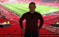 Rooney bị nhân viên an ninh 'hỏi thăm' trong ngày trở lại Old Trafford