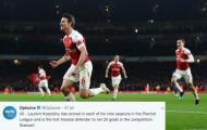 Dùng vai hạ Chelsea, Koscielny đi vào lịch sử Arsenal