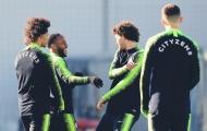 MU vs Chelsea tương tàn, Man City hả hê trên sân tập