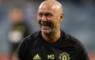 Hung tin! 'Phó tướng' Solskjaer nhập viện, Man Utd gặp phen hú vía