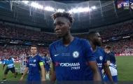 Hết M.U tới Liverpool, 'số 9 ám ảnh' của Chelsea khóc mếu máo