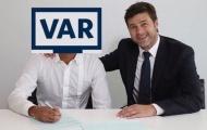 Cười sái quai hàm với loạt ảnh chế Man City ôm hận vì VAR
