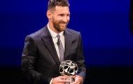 Đây, phản ứng khó tin của Ronaldo khi bị Messi qua mặt giành giải!