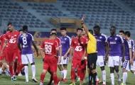 Trọng Hoàng dính thẻ đỏ, Hà Nội FC đánh bại Viettel với tỉ số đậm