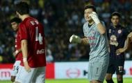 Văn Lâm giúp Muangthong United đánh bại đội bóng cũ Xuân Trường ở trận 'siêu kinh điển' Thai League