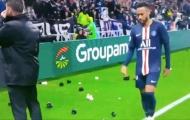 SỐC! NHM đối xử không thể tin nổi với Neymar trước khi ghi bàn