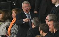 CHOÁNG! Máy bay xuất hiện ở Old Trafford, đòi 'kẻ trộm 1 tỷ bảng' cuốn xéo