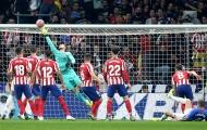 Oblak 'hoá thánh', Atletico đại thắng kẻ hạ sát Barcelona