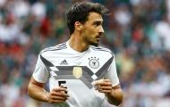 Hàng thủ rơi rụng, Low được mách nước triệu tập 'trung vệ số 1 nước Đức'