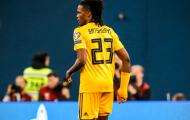 Hy hữu! 'Kẻ mạo danh' tuyển Bỉ tỉnh bơ đá trên sân trước khi bị trọng tài phát hiện