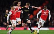 'Arsenal dùng cậu ấy như một tấm khiên, họ không nên làm thế'
