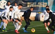 Alexis Sanchez trở lại, Lukaku và Martinez 'quấn quýt' trên sân tập