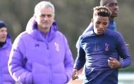 'Quái thú đa năng' ra mắt đồng đội mới, Mourinho mỉm cười