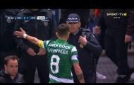 CĐV Man Utd 'mở hội' chứng kiến Fernandes làm loạn