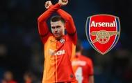 Mục tiêu 'bán mình' lộ liễu, Arsenal có chữ ký đầu tiên ở chợ Đông?