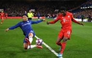 Biến hàng thủ Chelsea thành trò hề, Davies tiếp tục xát muối đối thủ