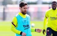 Messi căng thẳng khi rơi vào thế bám đuổi