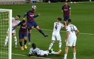 5 điểm nhấn Barcelona 3-1 Napoli (4-2): Thiên tài Messi, Gli Azzurri yếu 'bóng vía'