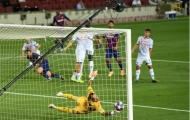 Messi bùng cháy, Barca nhấn chìm đối thủ tại Camp Nou