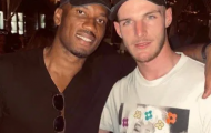 Declan Rice gặp gỡ 'huyền thoại Chelsea' trong kỳ nghỉ